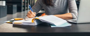 How to Incorporate Readings Effectively into Your Online Courses